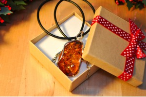 amber and sterling silver pendant 1